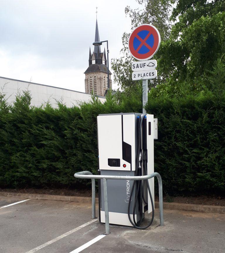 Borne de recharge des véhicules électriques est désormais en service à La Couture